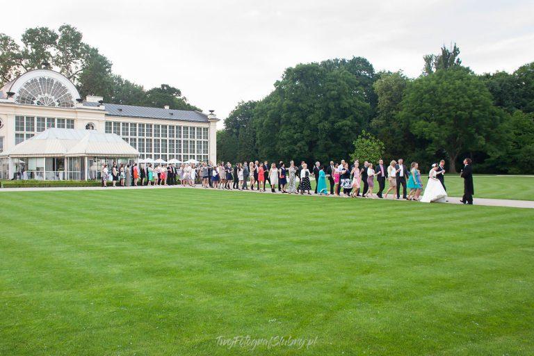 belvedere tradycyjny polonez rozpoczynajacy wesele w lazienkach krolewskich AiM 0887