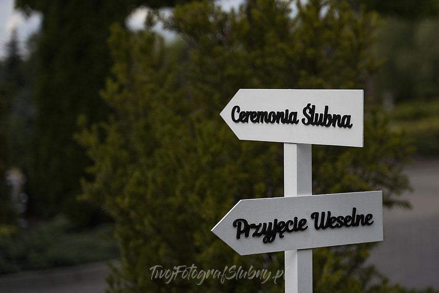 ceremonia w ogrodzie palacyku otrebusy AR 0002 - fotograf na wesele