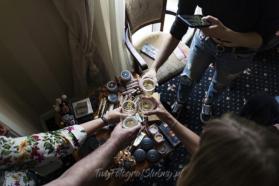 ceremonia w ogrodzie palacyku otrebusy AR 0031 - fotograf na wesele