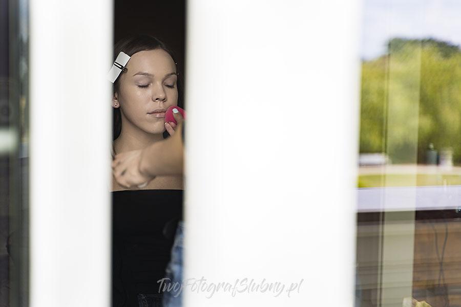 ceremonia w ogrodzie palacyku otrebusy AR 0045 - fotografowanie ślubów