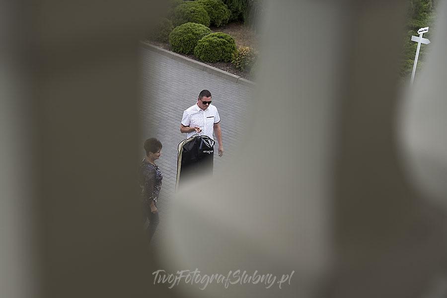 ceremonia w ogrodzie palacyku otrebusy AR 0064 - Naturalny reportaż ślubny