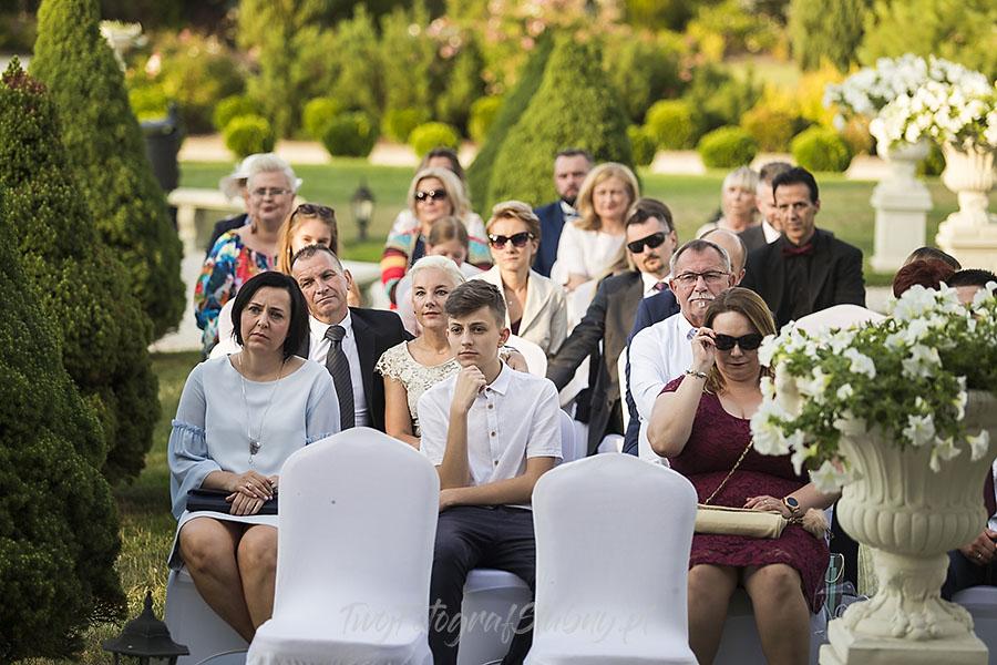 ceremonia w ogrodzie palacyku otrebusy AR 0412 - fotograf na wesele
