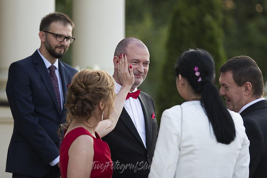 ceremonia w ogrodzie palacyku otrebusy AR 0615 - Naturalny reportaż ślubny