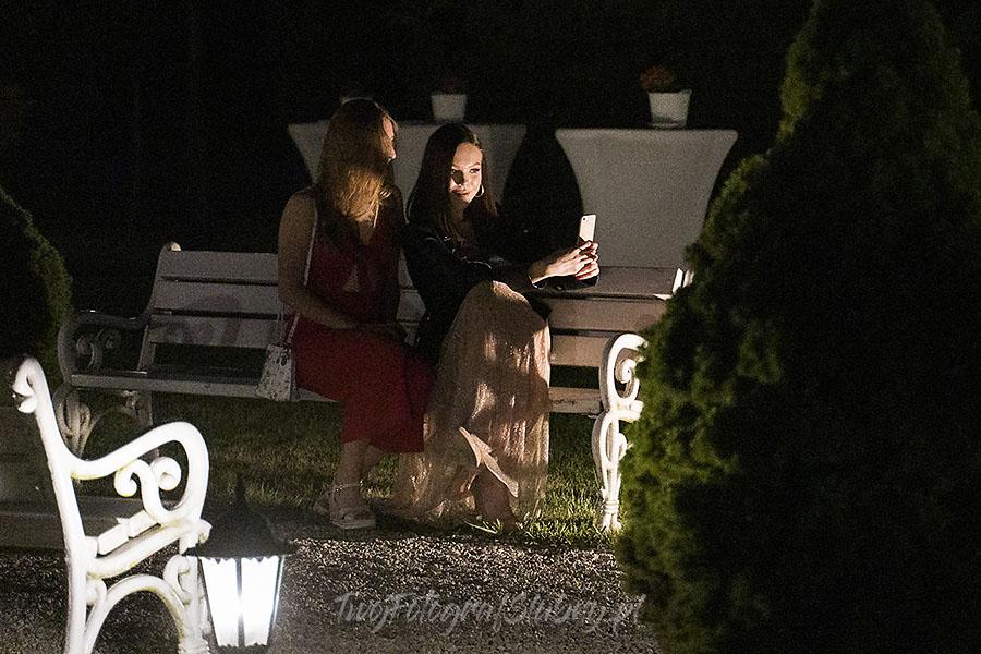 ceremonia w ogrodzie palacyku otrebusy AR 1177 - Naturalny reportaż ślubny
