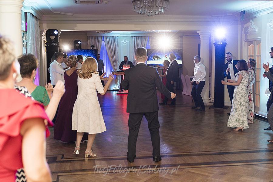 ceremonia w ogrodzie palacyku otrebusy AR 1318 - fotograf na wesele