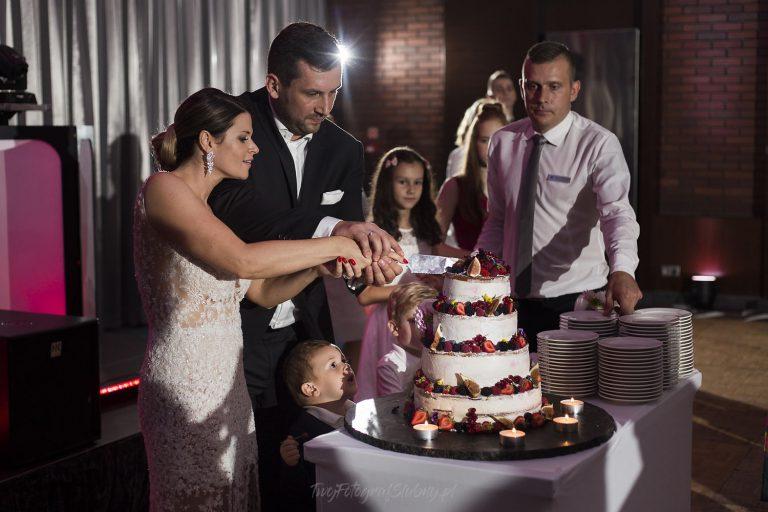 krojenie tortu weselnego MJ 1708