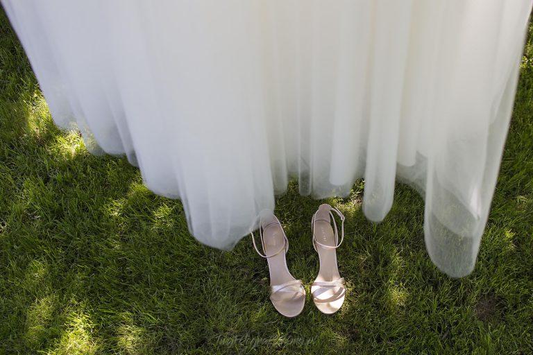 suknia i buty w ogrodzie BK 0002