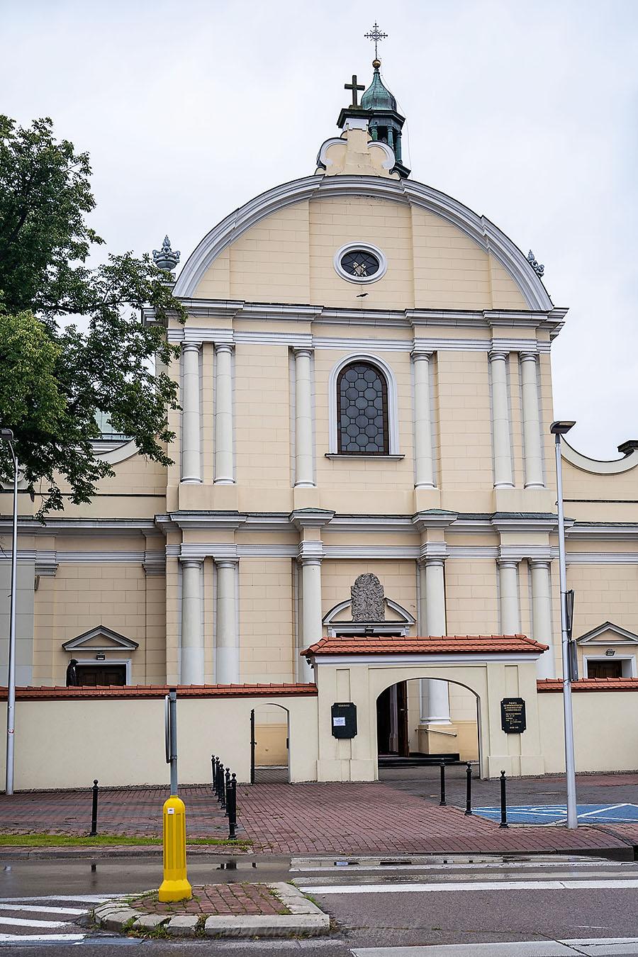 Kościół w Babicach - fotograf ślubny